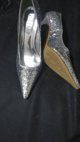 Sapato feminino vizano nunca usado