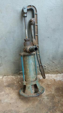 Bomba manual para poço