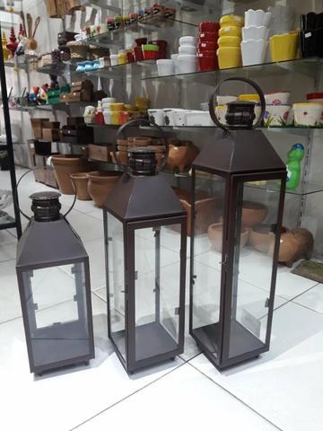 Lanternas de chão para jardim