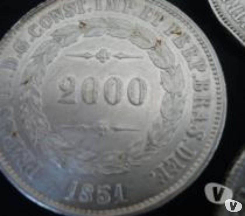 500 gramas de Moedas De Prata de  a  R$800
