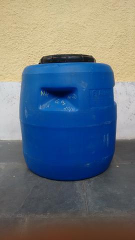 Tambores, Bombonas, barris, galão de 80 litros e tampa de