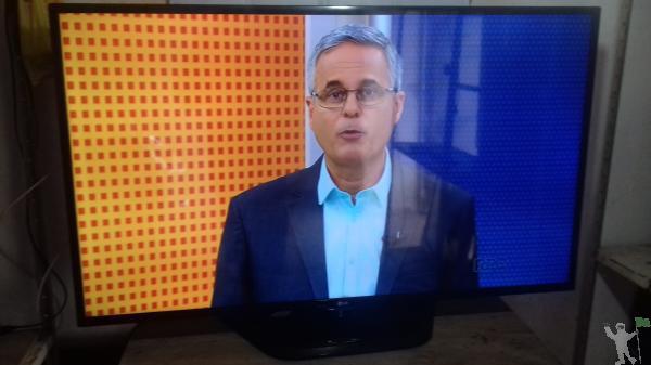 VENDE TV 32 FULHD USB COM GARANTIA POR R$ 470.0