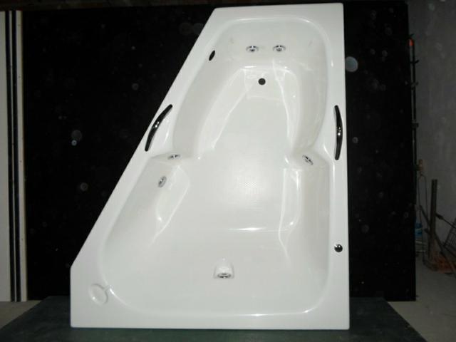 Banheira de canto 1,60 x 1,40