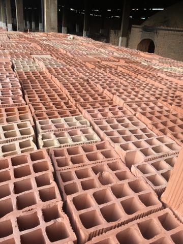 Mega promoção de tijolos
