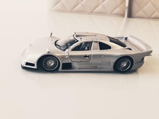 Miniatura Maisto Mercedes amg clk gtr Escala: 1/26