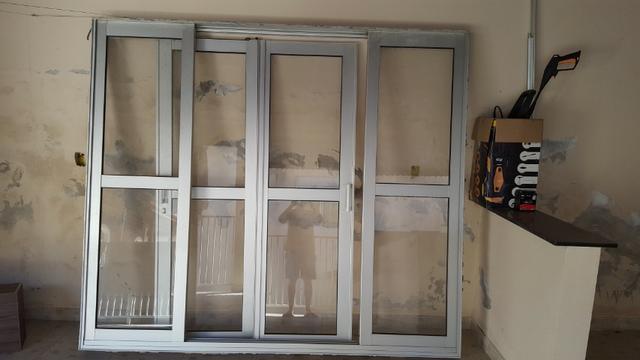 Porta de correr em aluminio sasazaki 2,50x2,20 barato