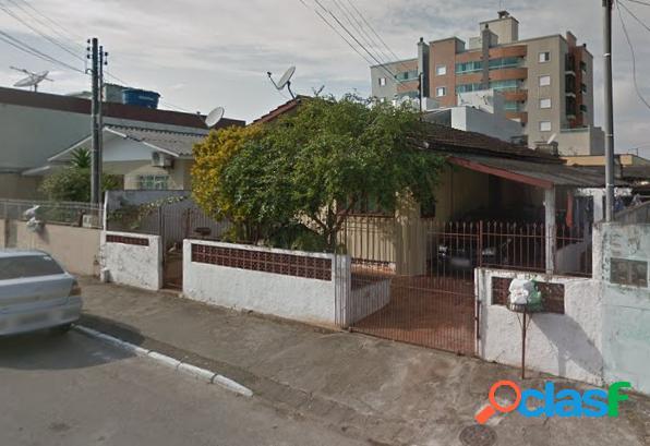 Casa com 6 dorms em Balneário Camboriú - Centro por 600