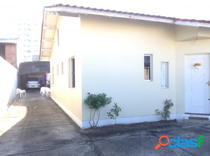 Casa para Venda em São José / SC no bairro Barreiros