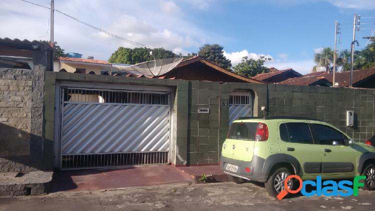 Vende casa a 300 m da Bola do Mindu, podendo financiar