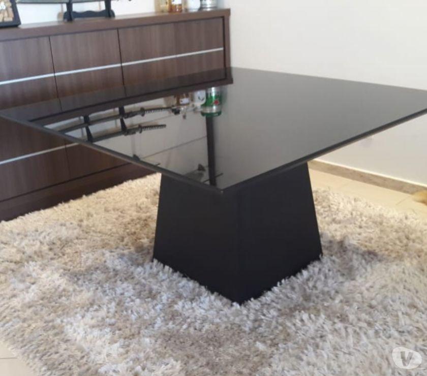 mesa alto padrão co tampo de vidro
