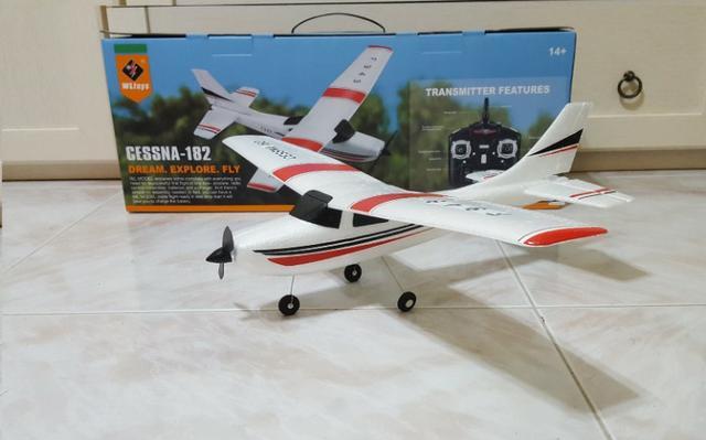 Avião elétrico com Rádio Completo. Novo Lacrado - loop