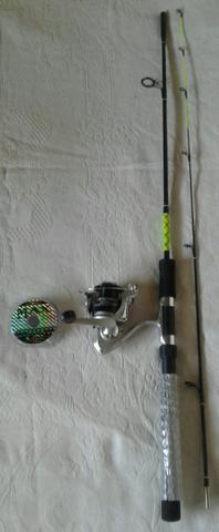 Vara de pesca 1,83 + molinete + 100 metros de linha 33mm