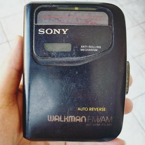 Walkman antigo Sony somente para decoração