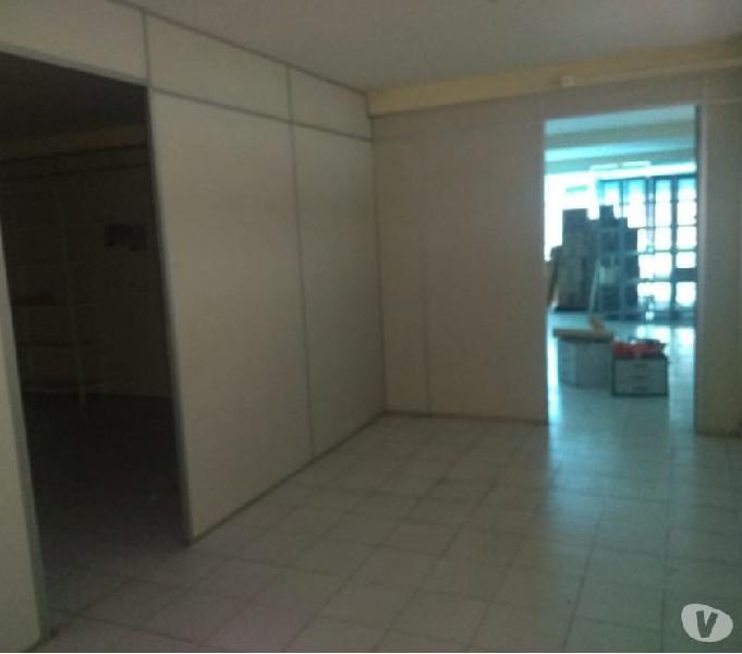 Prédio comercial, Centro 3 andares, para escolas, clínica