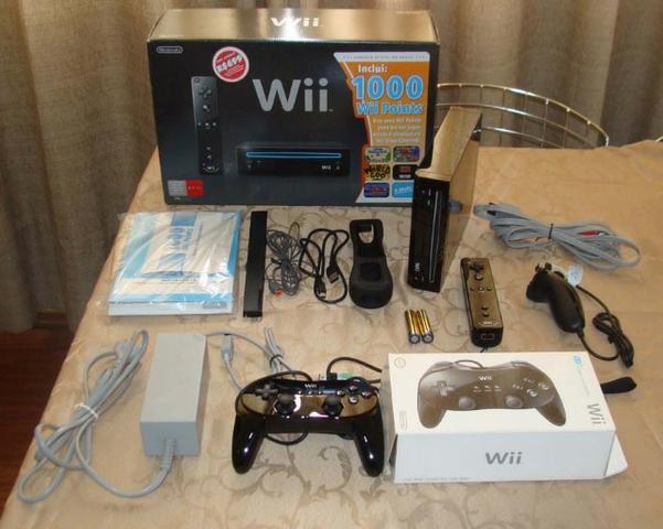 1 Videogame Wiiblack e Controle clássico e Volante e Jogos