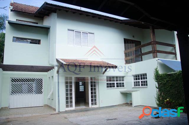 Casa Triplex a Venda no bairro Cidade Universitária -