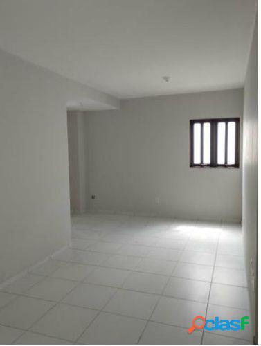 Casa em Condomínio a Venda no bairro Antares - Maceió, AL