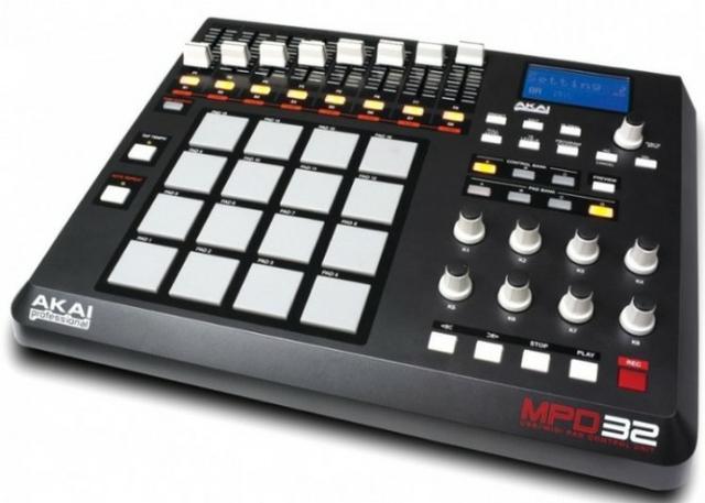 Controlador sampler akai mpd 32