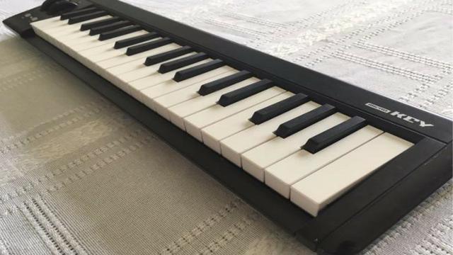 Korg Microkey 37 - Teclado Controlador MIDI