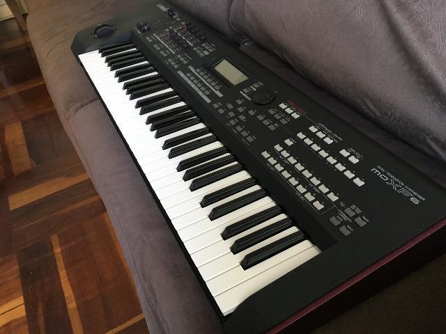 Vendo Teclado Yamaha MOXF6 com memória original da Yamaha