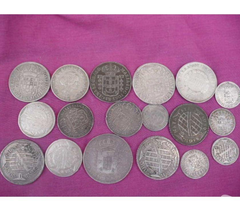 Compro moedas antigas de prata  a  pago R$ o Kg