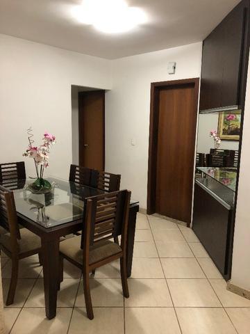 Mesa de Jantar em Madeira e Vidro 12mm com 6 cadeiras