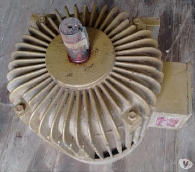 Motor 2 Polos ou 3.500 RPM 7.5 CV. Trifásico