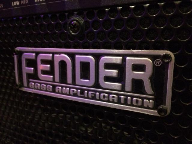 Amplificador De Baixo Fender Rumble w - 110v)