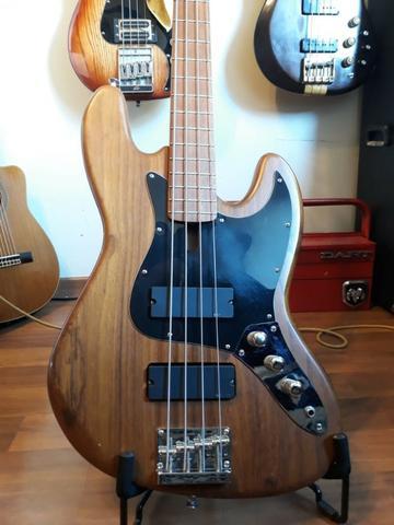 Baixo D'alegria Defender Jazz Bass - Captação Emg