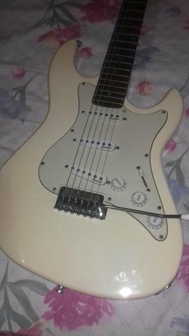 Vendo a guitarra Strinberg ou troco com um violão