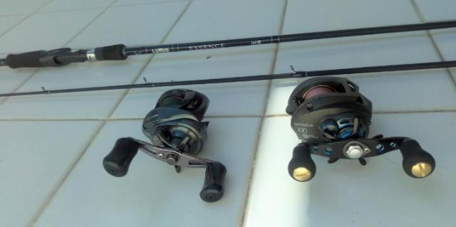 Kit vara de pescar mais 02 carretilhas