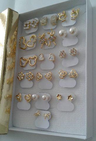 Brincos semi jóias