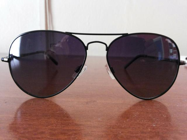 Lindo óculos de sol Polaroid.Original!