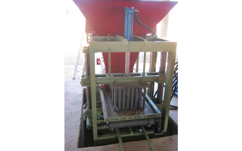 Máquinas para blocos AMH