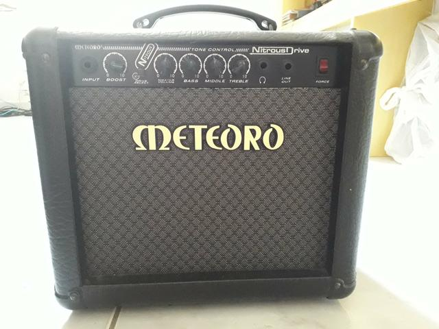 Amplificador Cubo Meteoro Nitrous Drive 15 W