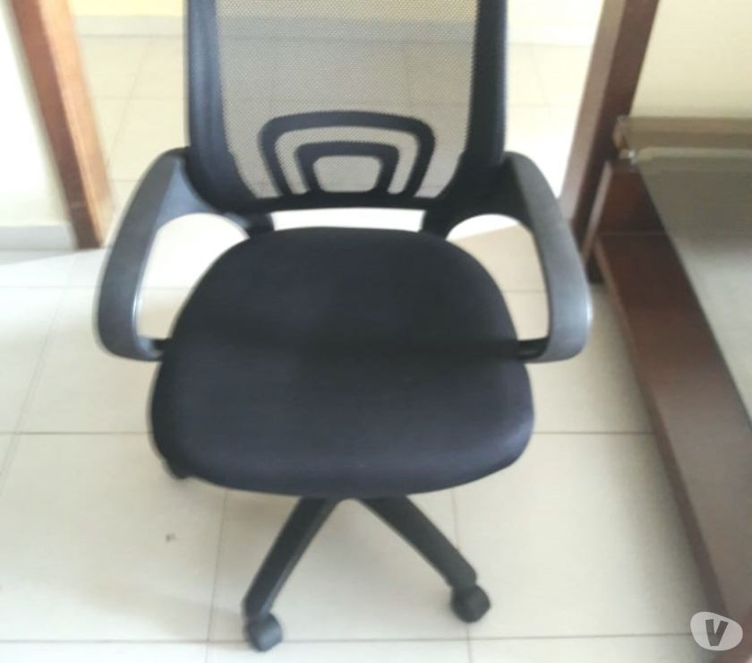 Conjunto de Mesa e Cadeira de escritório