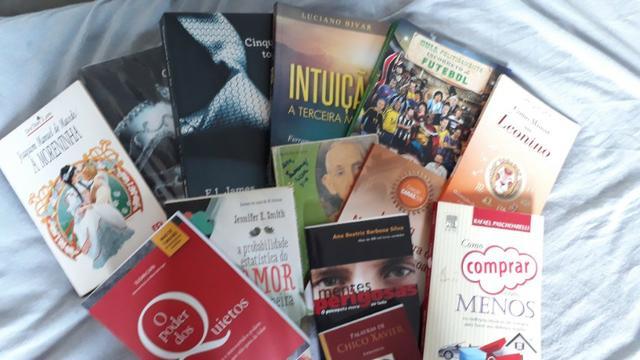 Coleção de Livros Diversos (Bom Estado)
