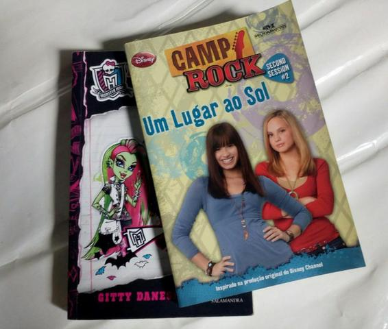 Livros Monster High e Camp Rock