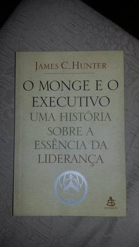 Vendo Livro o Monge e o Executivo Novo, apenas !!