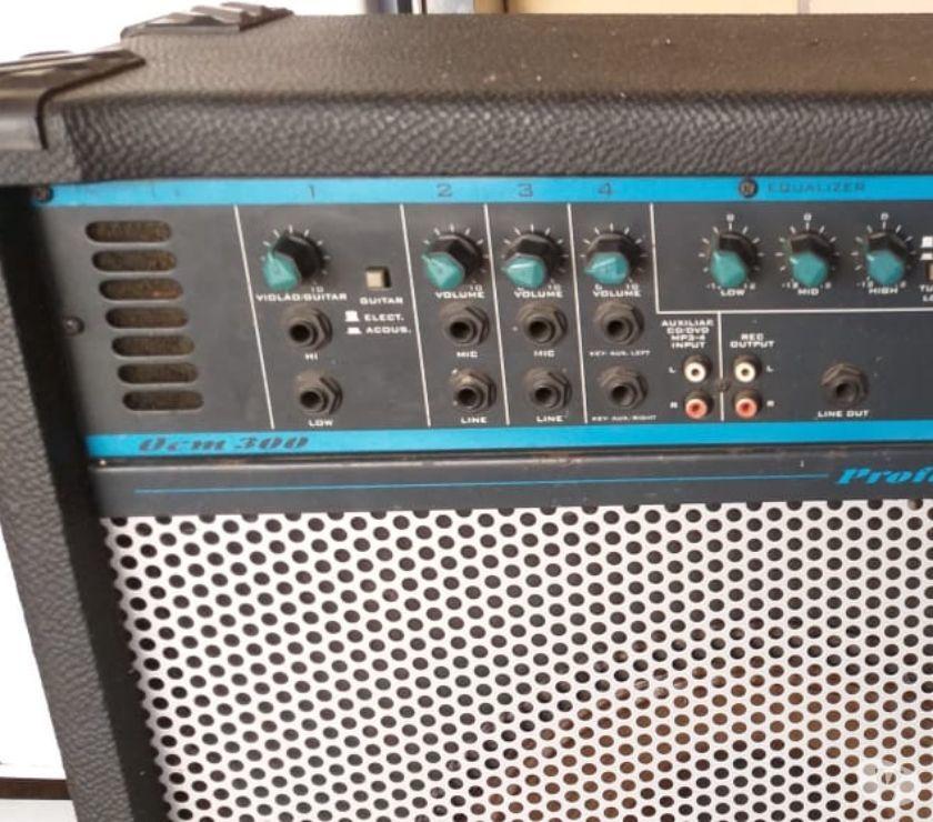 Vendo caixa de som amplificada 250 reais
