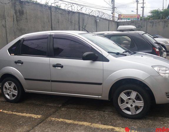 Vende se Fiesta Sedan