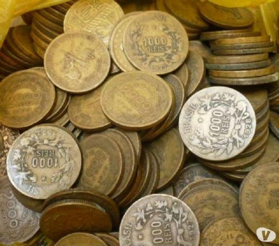 200 moedas de  Réis amarelas com várias comemorativas