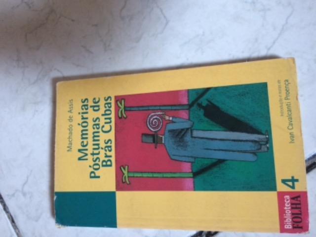 Vendo livro Memórias Póstumas de Brás Cubas-usado