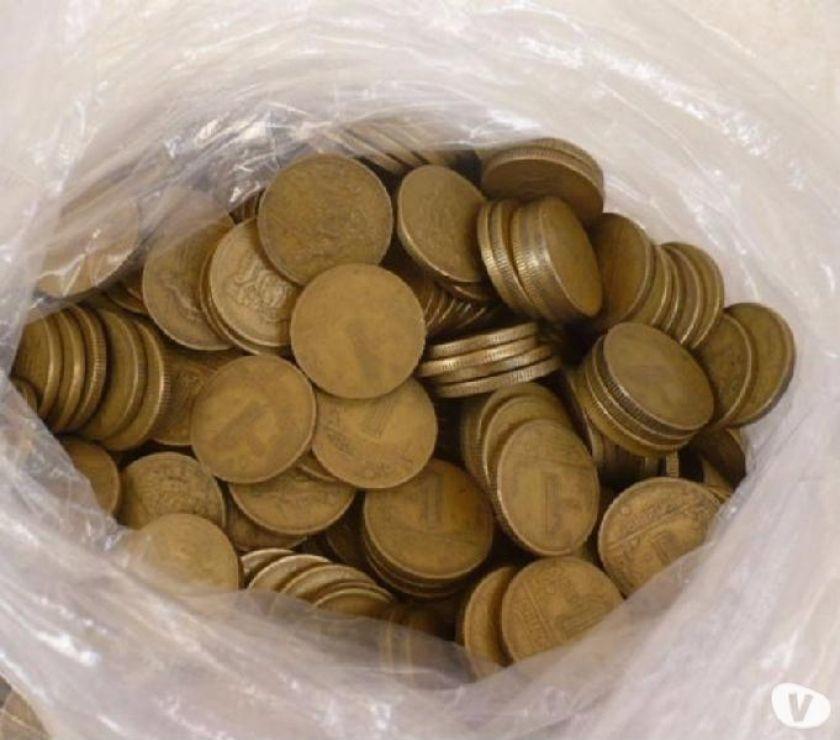 Vendo + de  moedas antigas todas amarelas R$ Tudo