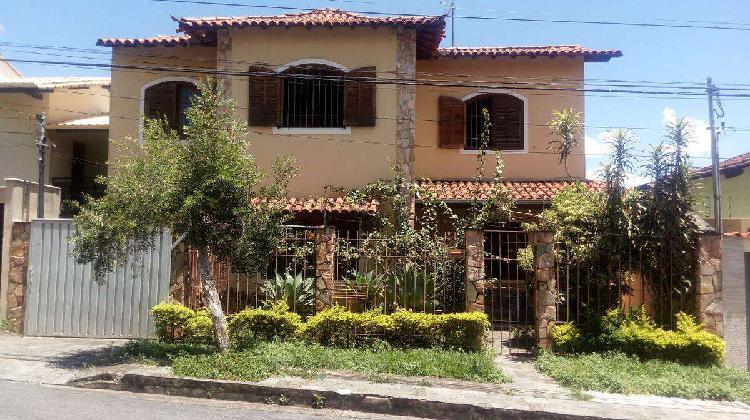 Casa, Ouro Preto, 2 Quartos, 3 Vagas