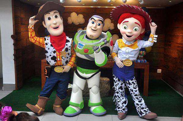 Personagens Toy Story Buzz Lightyear Na Sua Festa em Belo