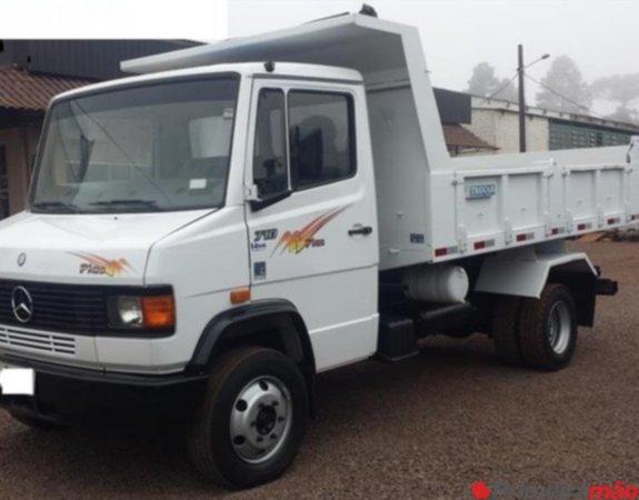 caminhão mb 710 ano  direção caçamba