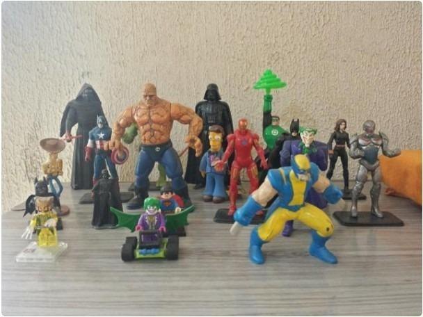 Lote 19 action figures bonecos dc star wars marvel simpsons