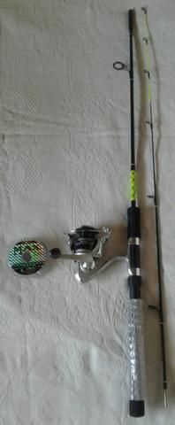 Vara de pesca 1,80mt + Molinete + 100 metros de linha max