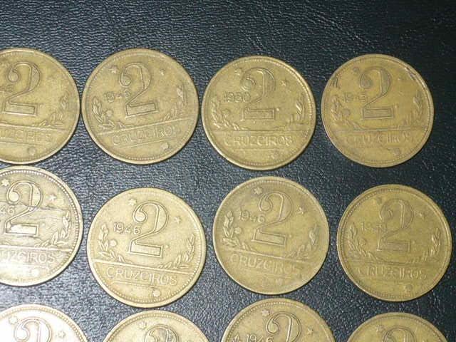 Vendo lote com 20 moedas de 2 cruzeiros amarelas  a